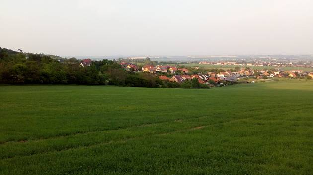 Ve Slatinkách na Prostějovsku vlivem eroze zde spadla základní cena ze 14,55 korun za metr čtvereční na 12,99, tedy o 10 procent. Na snímku velký půdní blok na východním svahu Velkého Kosíře.