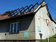 V pondělí hořelo v Jednově. Vyšetřovatelé podezřívají bývalého majitele domu, že budovu zapálil.