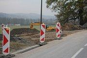 Na okraji Konice budují novou polní cestu.