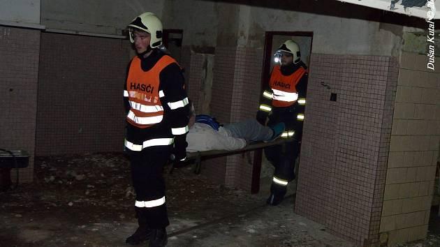 Námětové noční cvičení hasičských jednotek SDH Němčice nad Hanou a SDH Vrchoslavice