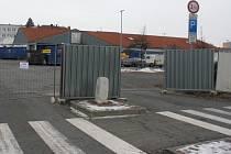 Prodejnu Lidl na Újezdě i přilehlé parkoviště zavřela přestavba