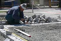 Probíhající rekonstrukce náměstí v Plumlově