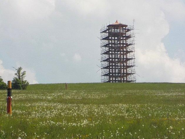 Stavba rozhledny Kopaninka v Repechách - 12. května 2018