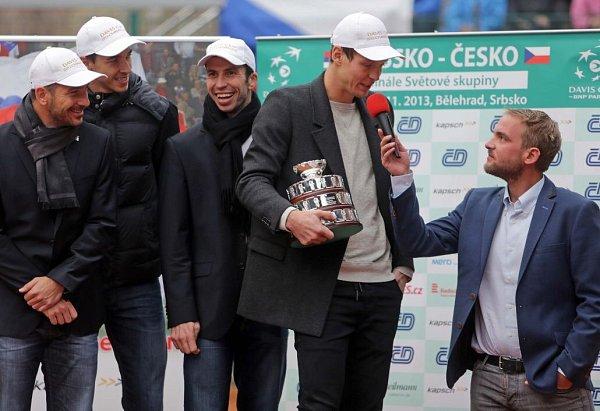 Zleva: Jan Hájek, Lukáš Rosol,  Radek Štěpánek a Tomáš Berdych na centrkurtu vProstějově