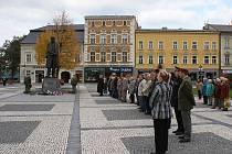 Vzpomínková akce na náměstí TGM v Prostějově. Ilustrační foto