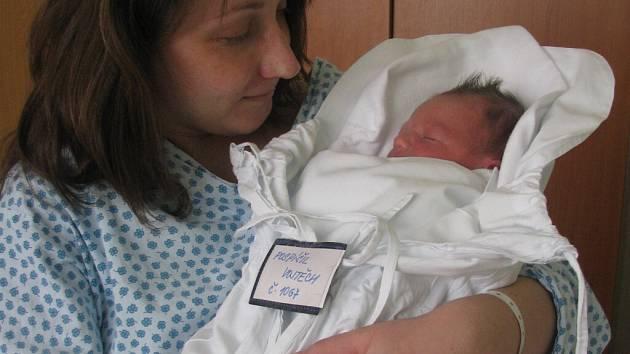 Vojtěch Pospíšil, Bedihošť, narozen 11. prosince v Prostějově, míra 49 cm, váha 3050 g