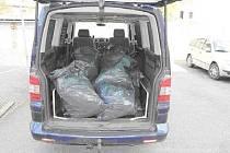 Objevením menší pěstírny konopí skončila středeční honička sedmadvacetiletého řidiče z Prostějovska a policie.