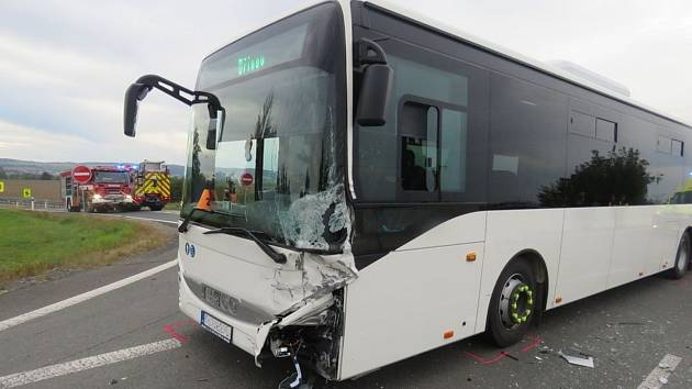 Nehoda autobusu na D46