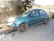 U Jednova v sobě skončila dvě auta. Nehoda se obešla bez zranění.