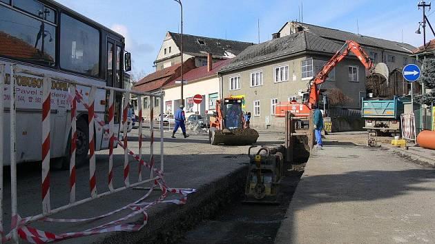 Z výstavby kanalizace v Konici