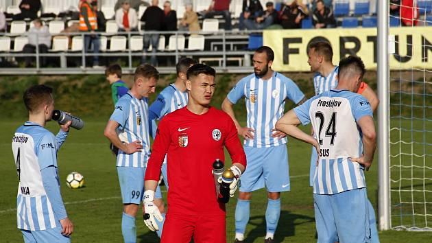 Fotbalisté Prostějova (v modrobílém). Ilustrační foto