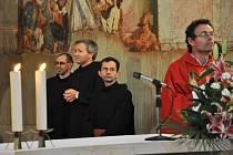 Slavnostní mše svatá v klášterním kostele sv. Jana Nepomuckého v Prostějově