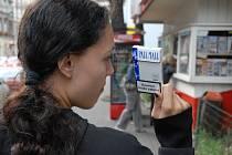 Někde se k cigaretám děti docela snadno dostanou.