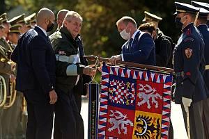 Prezident Miloš Zeman na návštěvě prostějovských kasáren