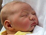 Adam Hudeček, Prostějov, narozen 5. října v Prostějově, míra 52 cm, váha 3850 g