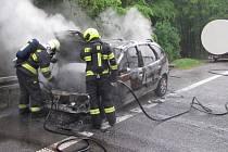 Požár auta v buchlovských kopcích - 9. května 2019