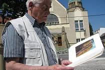 Josef Dolívka s bibliofilií