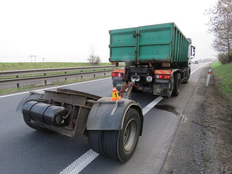 Nehoda přívěsu u Brodku u Prostějova