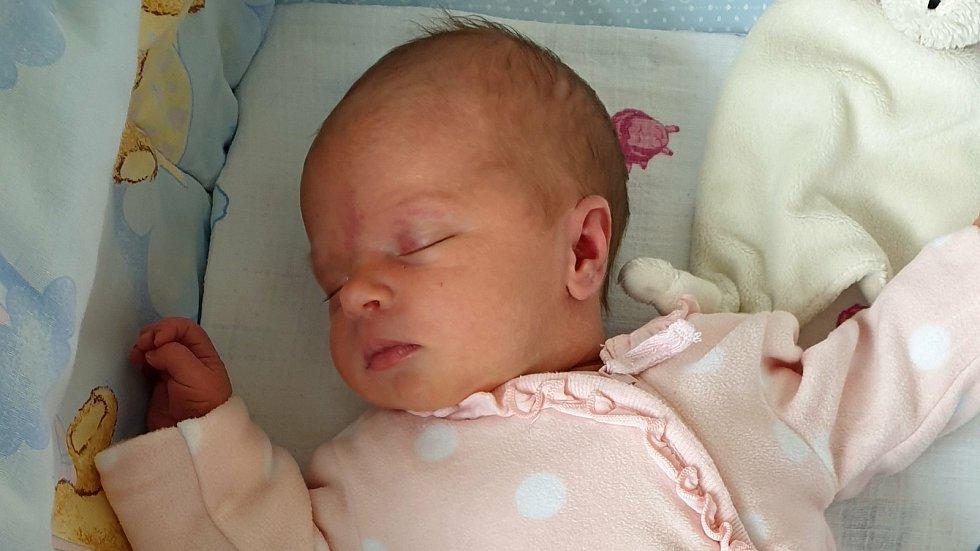 Adélka Miklíková, Tršice-Lipňany, narozena 15. dubna 2021  v Přerově, míra 49 cm, váha 3094 g