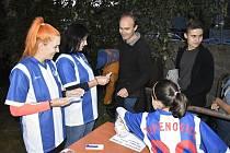 Druhé promítání celovečerního filmu Fotbalový Skřítek se uskutečnilo v Letním kině Mostkovice, z dobrovolného vstupného se nakonec vybralo 30 tisíc korun.