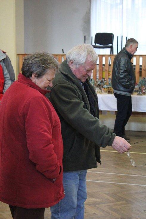 Výstava vánočních betlémů v kostelecké sokolovně