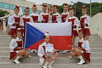 CINKLA MEDAILE. Mažoretky z němčického ORIONU prorazily na evropském šampionátu. Foto: archív ORION