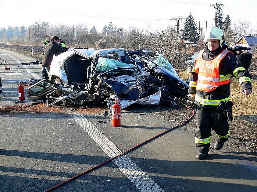 Tragická nehoda na R46 v Prostějově, při které zahynulo šest lidí