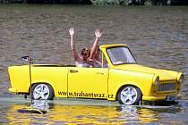 Sraz Trabantů v autokempu Žralok v Plumlově.