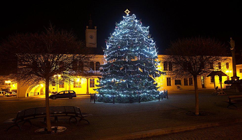 Vánoční strom 2020 v Lipníku nad Bečvou.