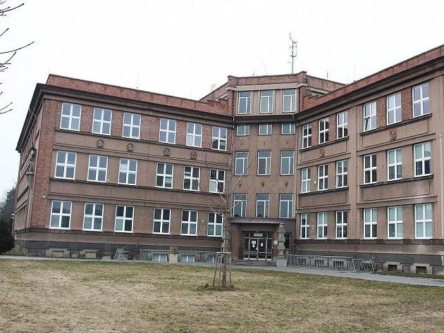 Školní budova na Husově náměstí v Prostějově