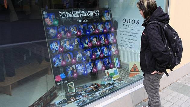 Tabla v ulicích přitahují oči kolemjdoucích