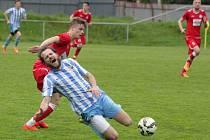Fotbalisté Prostějova (v modrobílé) proti Vyškovu