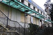 Pozůstatek slavného Hotelu Zlechov u plumlovské přehrady
