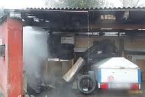 Požár přístavku rodinného domu v Bedihošti. 3.3. 2021.