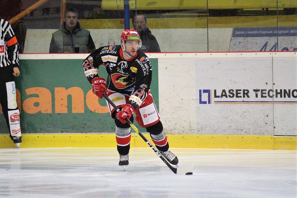 Hokejisté Prostějova (v černém) porazili Havířov 5:0Jan Starý