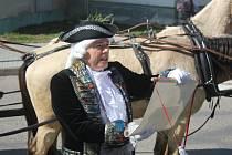 Spanilou jízdou po Prostějovsku a Olomoucku začalo Muzeum historických kočárů novou turistickou sezónu. Nechyběla ani zastávka v Prostějově-Vrahovicích.