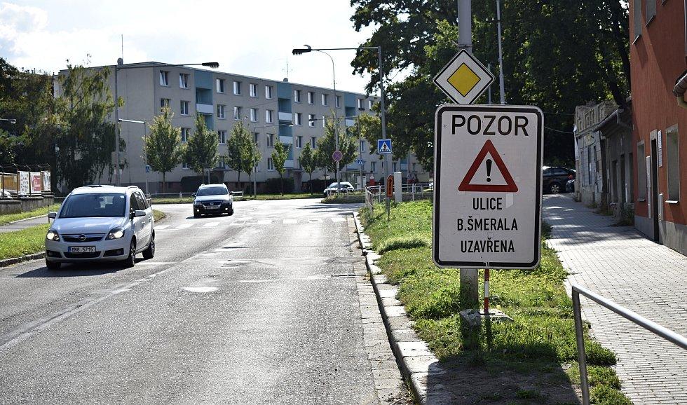 Dopravní trable v jihozápadní části Prostějova nekončí. Aktuálně jsou neprůjezdné ulice Žeranovská a Šmeralova. 15.9. 2021