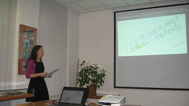 T. Holasová představila plán archeologického výzkumu v Šerhovní ulici