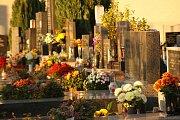 Dušičkové období na Městském hřbitově v Plumlově