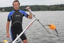 Tomáš Kašpárek je aktivním aquaskipperem