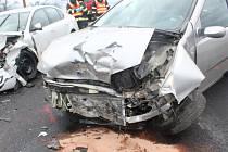 Nehoda na sjezdu z D46 u Olšan