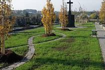 Rozšířený a upravený hřbitov v Držovicích
