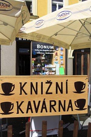 Knižní kavárna na náměstí T. G. M. vProstějově
