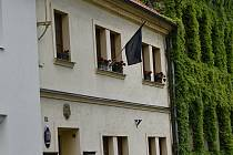 Jednou z obcí, která vyvěsila v úterý 26. května černou vlajku byly i Mořice na Prostějovsku.