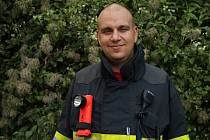Kostelečtí hasiči bojují v celostátní anketě Dobrovolní hasiči roku. Na fotce technik jednotky Petr Bohanes