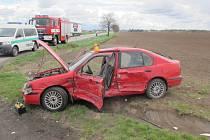 Nehoda náklaďáku a osobního auta u Smržic