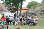 Na Plumlovském zámku to žije. Prohlídky, bitva a program pro děti.