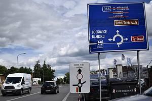 Od čtvrtku 1. července je na dva měsíce uzavřena frekventovaná výpadovka z Prostějova do Kostelce na Hané. 1.7. 2021