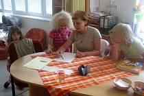 O prázdninový provoz mateřských školek je mezi rodiči velký zájem.