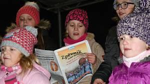 Česko zpívá koledy v Plumlově 2018